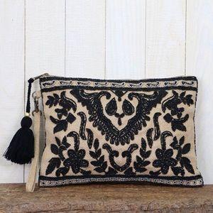 Handbags - 🌟HP 5/21🌟 Beaded Jute Clutch
